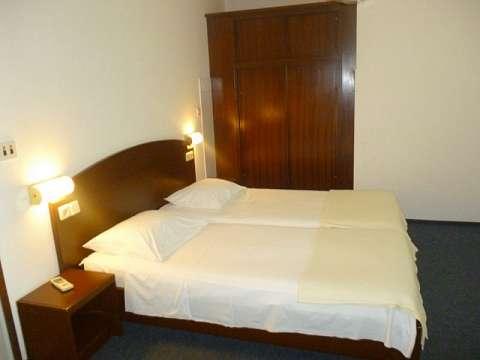 Rooms & Apartment Jako