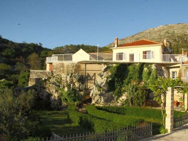 Villa Urlović