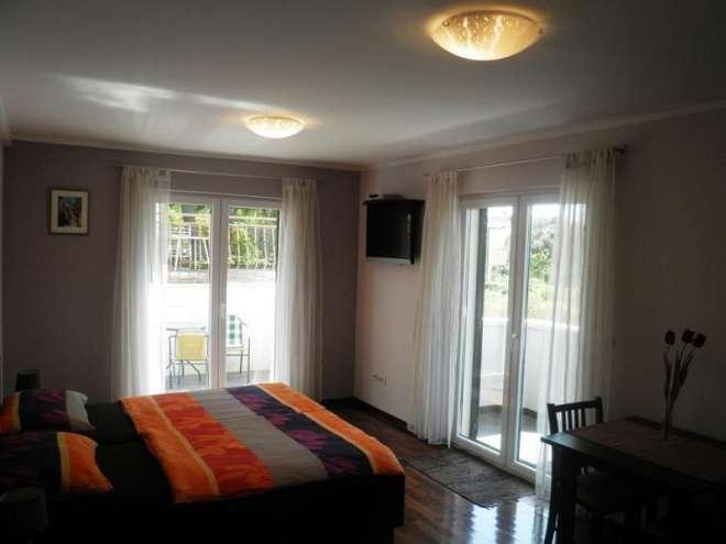 Apartments Logoš