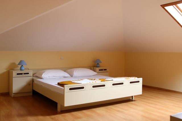 Apartments Ana Kralj