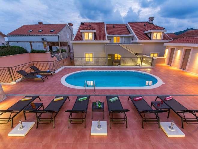 Villa Molunat